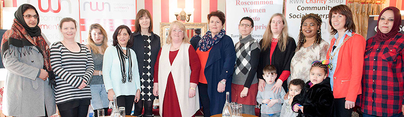 Pictured at RWN Chat Show in Gleeson's to mark International Women's Day were Freha Arfan, Eva Bzurkoba, Eva Bzurkoba, Susan Feeley, Christina McHugh, Editor of the Roscommon Herald, Angela Lennon, Sara Elisani, Cyntia and Seán Opare, Sarah, Quinelen and Chris Osei, Cllr Orla Leyden, Chairperson of Roscommon County Council and Najla Sabir. Picture: Andrew Fox